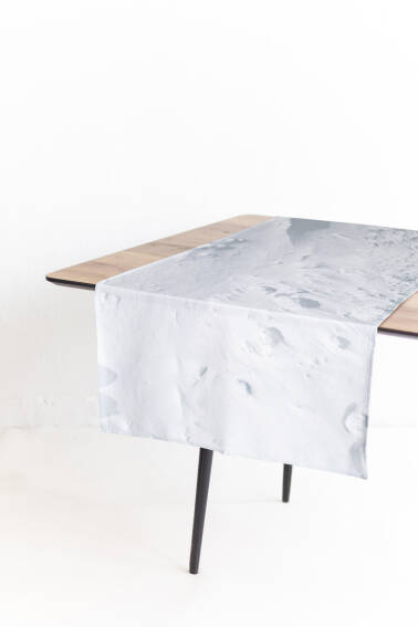 SNOW - table runner